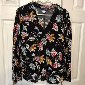 Stylish floral top with peasant sleeves